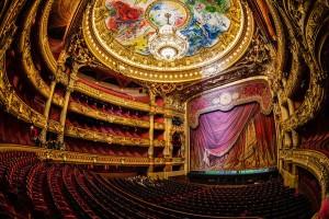 Dipinto di Chagall sulla cupola dell'Opera Garnier di Parigi